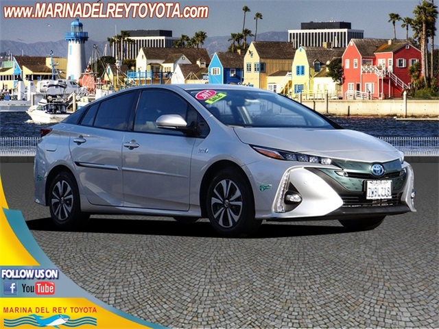Pre Owned 2017 Toyota Prius Prime Advanced 5d Hatchback In Marina